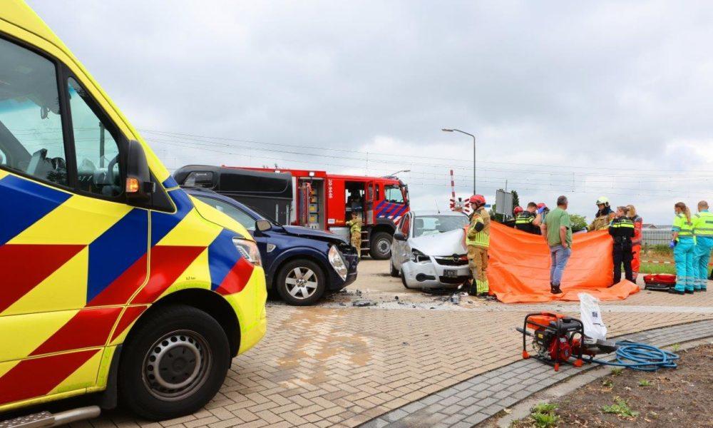Dode bij ongeluk op kruising in Biezenmortel.