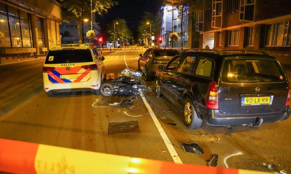 Twee gewonden na ongeval met politieauto in Eindhoven.